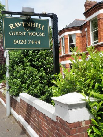 Ravenhill Guesthouse: Sign