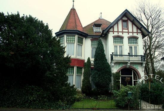 Hotelvilla Imhof: Hotel van de voorkant gezien