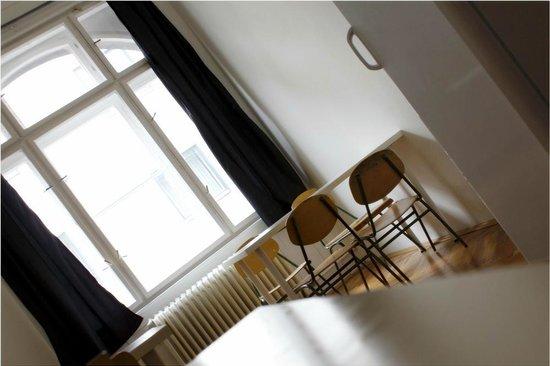 DBC Hostel: Dining space