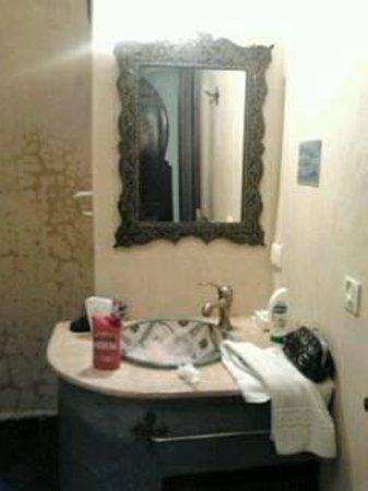 Riad Assilah Chefchaouen: Salle de bain