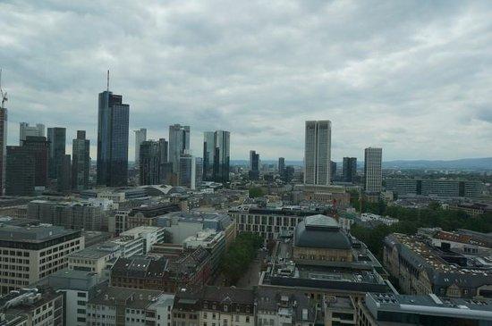 Jumeirah Frankfurt: day view