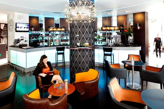 Novotel London Tower Bridge: Bar