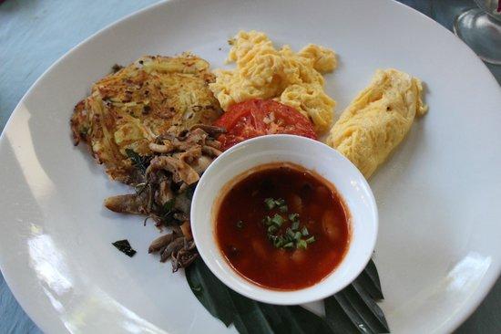 Tango Luxe Beach Villa: Breakfast