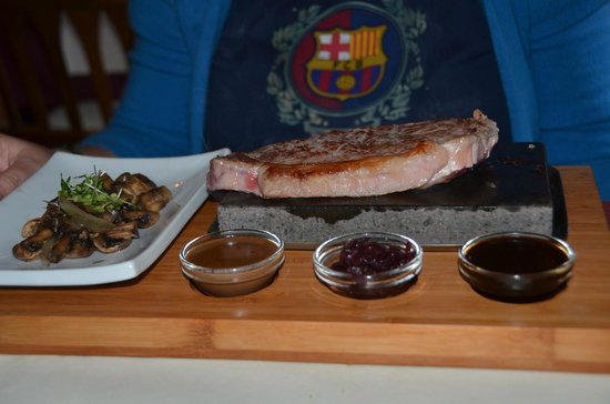 Clevery Mill Restaurant & Guest House: Bistecca alla pietra