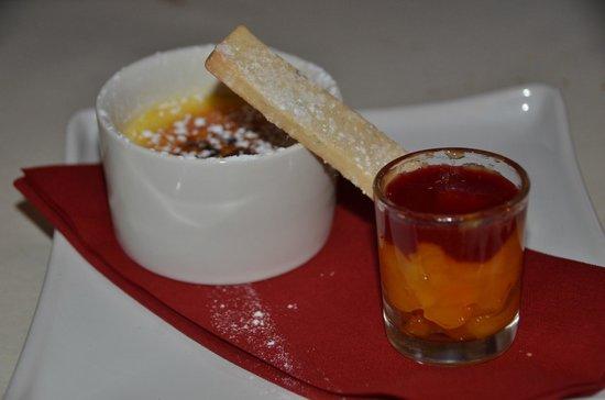 Clevery Mill Restaurant & Guest House: Creme brulé alla vaniglia con composta di albicocche