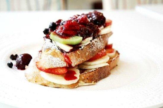 Simbio: french toast with fruit