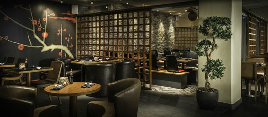 East West -Sushi, Grill, Lounge: Interior