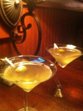 Mike's Place: Our amazing filthy dirty martinis