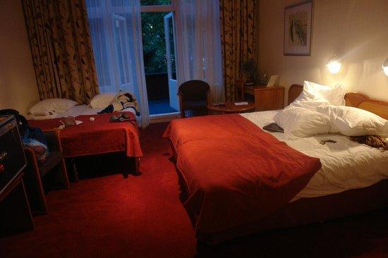 Hotel Aalders: CONFORTABLE BEDROOM