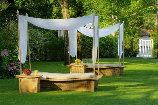 Villa Roma Imperiale: Private Garden with sunbeds