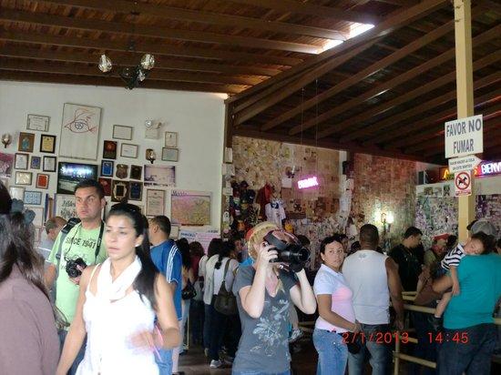 Heladeria Coromoto : Muchos visitantes