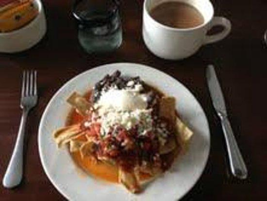 Hotel Demetria: Desayuno con chilaciles
