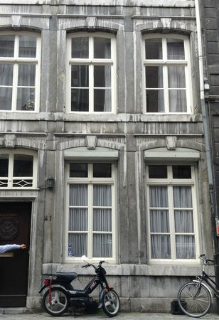 Chambres d'hotes / Cafe La Cloche: Chambres d'hotes on Bredenstraat