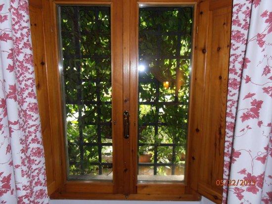 La Fiaba Bed & Breakfast: Window view
