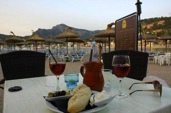 Café bar Es Recó: A jug of sangria with the best alioli we had in Mallorca