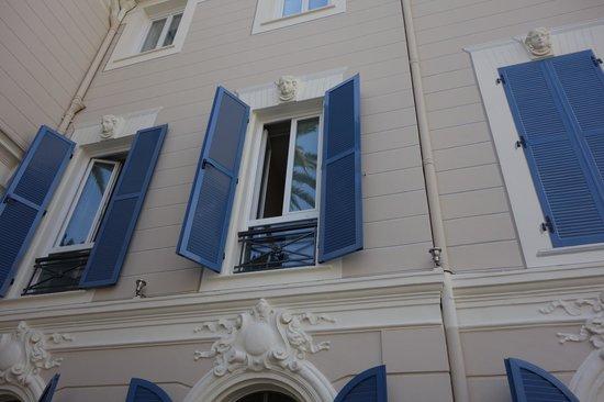 Hotel Le Havre Bleu: Shutters