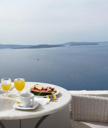 Residence Suites: terrasse du petit déjeuner