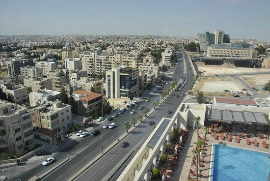 Sheraton Amman Al Nabil Hotel : View from room 604 (corner room)