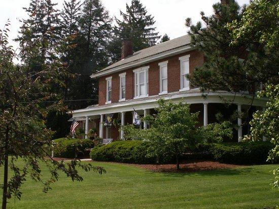 The Preston County Inn : Summertime at the Inn