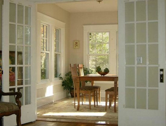 The Self Discovery Center Transformational Retreat BnB : Breakfast Nook