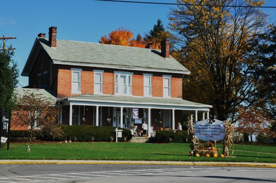 Front view of The Preston County Inn