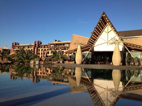 Lopesan Baobab Resort: Vista da una delle 7 piscine dell'hotel