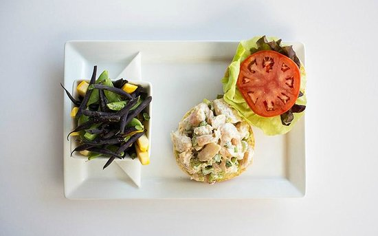 Cam Cafe: Shrimp Salad Sandwhich with Local Beans and Squash