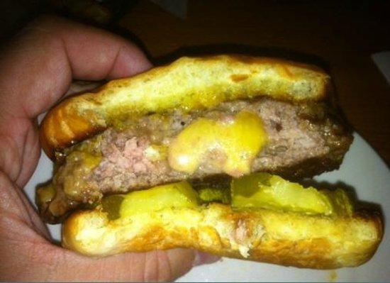Blue Door Pub: Burger perfection