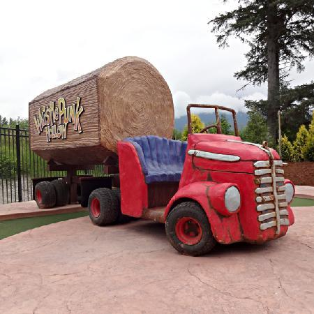 Whistle Punk Hollow Adventure Golf : The logging truck on the 9th hole