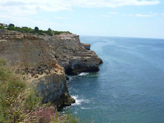 Hotel Baia Cristal: View from Carvoeiro beach