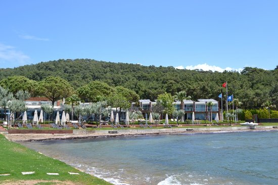 Ortunc Hotel : View on the private beach