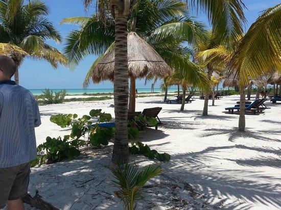 Hotel Villas Delfines: front of hotel
