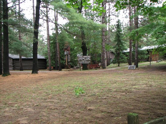 Paul Bunyan Logging Camp Museum : Overview of the camp