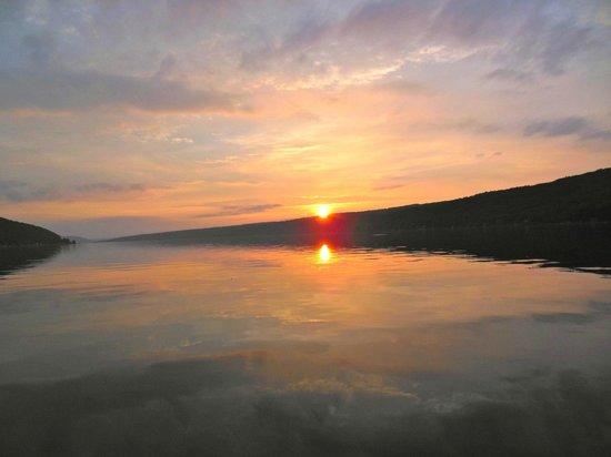 Keuka Lakeside Inn: Keuka Lake view from onboard charter fishing boat