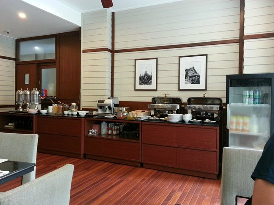 Asoke Residence Sukhumvit: The breakfast spread