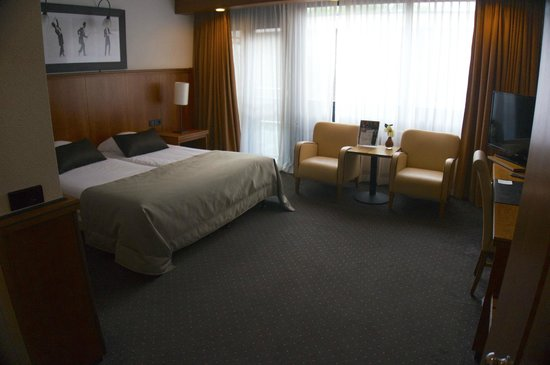 Van Der Valk Eindhoven Hotel: Large, but not a double bed, just two singles together