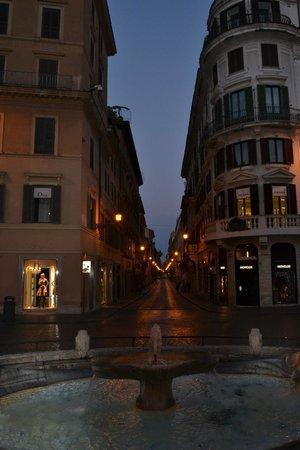 Crossing Condotti: A view of Via Mario de' Fiori