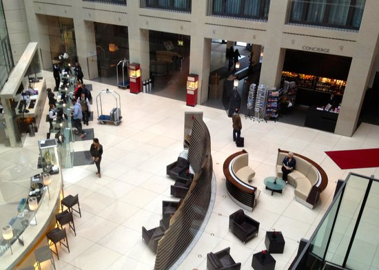 Radisson Blu Hotel, Berlin: The lobby