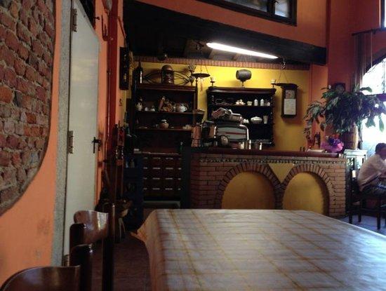 Osteria Le Gualdane: L'interno della prima sala da pranzo