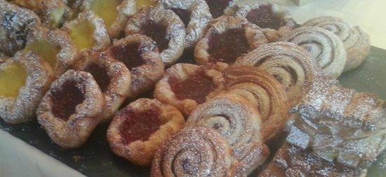 Le Bristol: Breakfast pastries