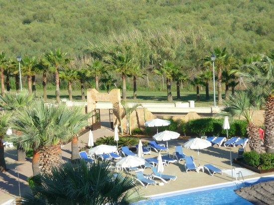 IBEROSTAR Isla Canela Hotel: Blick vom Zimmer auf den Poolbereich