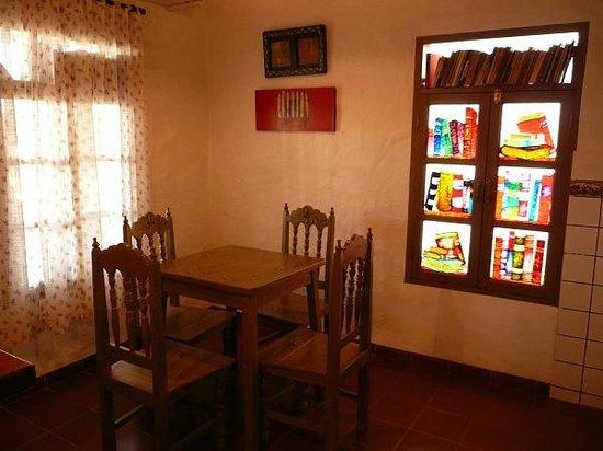 El Pueblito Resort: Comedor de la casita: La Libreria