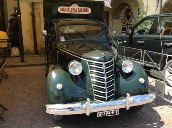 Macelleria Mobile Di Mezzanotte / Profile - L'Ultimo Vero Bacio