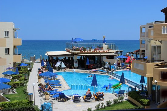 Menia Beach Hotel : View from our room, nice price in a high season