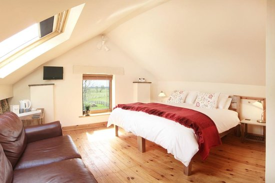 """Brush and Boot Bed & Breakfast: Super king size double bed in """"Boot"""" bedroom"""