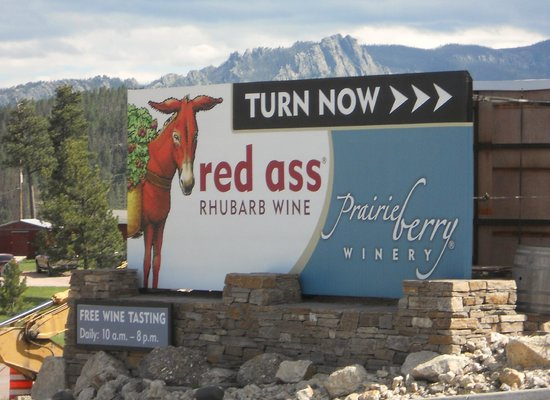 Prairie Berry Winery : Sign at road turnoff