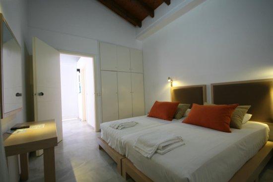 Elma's Dream Apartments & Villas: Bedroom of  2-room apartment
