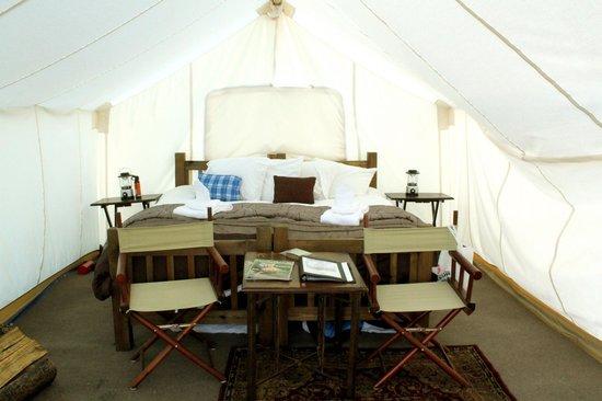 Yellowstone Under Canvas: Safari tent (not deluxe)
