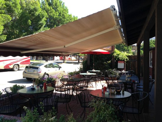 Cheryl's Diner: Outside Dining