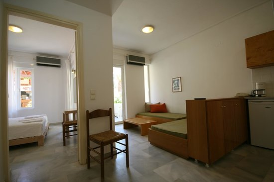 Elma's Dream Apartments & Villas: Sitting room - bedroom in 2-room apartment
